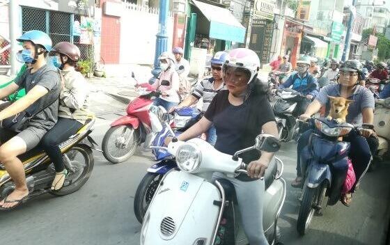 Wietnam - ruch uliczny.