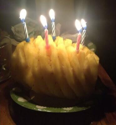Wietman - Tort urodzinowy zananasa.